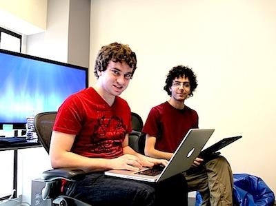"""Google thưởng 150.000 USD cho chuyên gia """"phá hoại"""" iOS"""